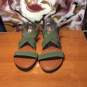 🆕Women's Flat Criss-Cross Sandals